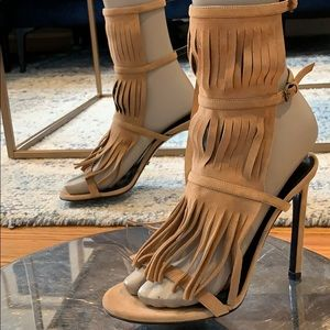 💯 authentic Gucci Becky Fringe sandals